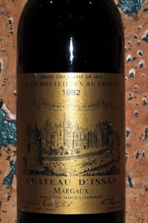 Chateau d'Issan Margaux Grand Cru 1982-label