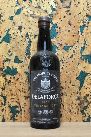 Port Delaforce Vintage Port 1966 in OWC-2
